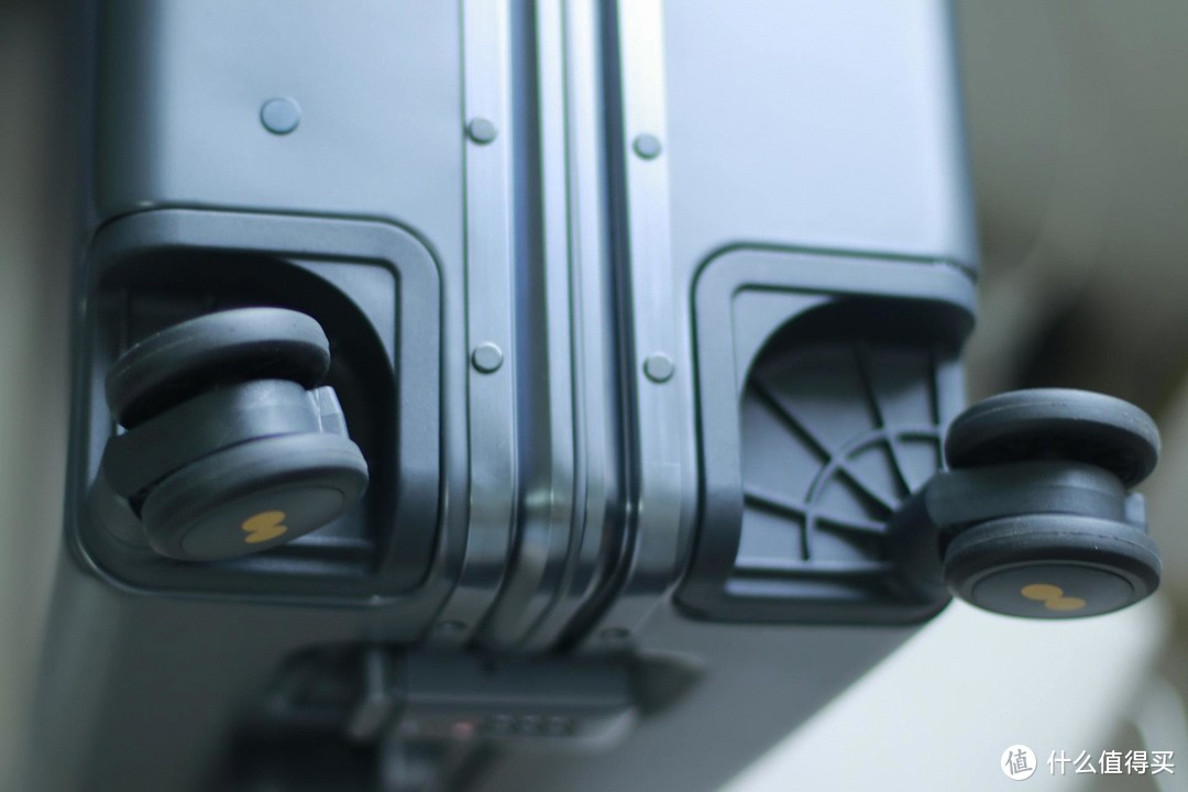 地平线8号Power系列登机箱,好看好用又耐用