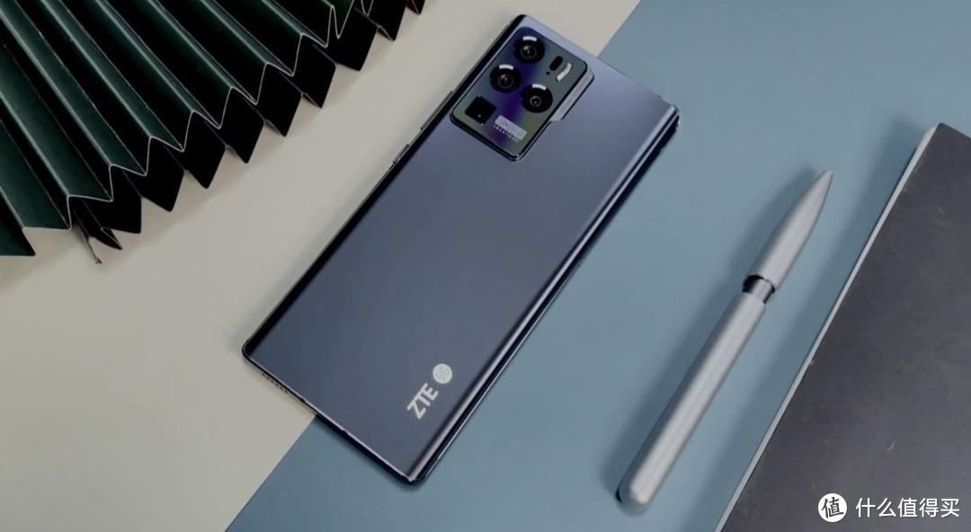 围观!2021年最佳6款大屏手机:屏幕巨大 性能强悍|手机中的王者
