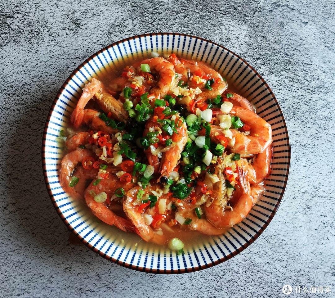 夏天要多吃蒸菜,这菜蒸一蒸8分钟搞定,又鲜又营养,一盘不够吃