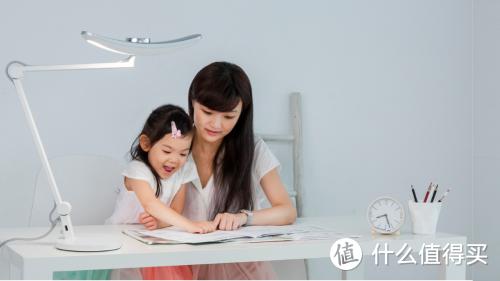 学习台灯选购指南!618值得买的儿童学习台灯