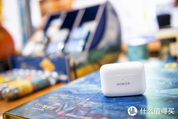 30小时超长续航+智慧主动降噪——荣耀新品TWS耳机即将登陆