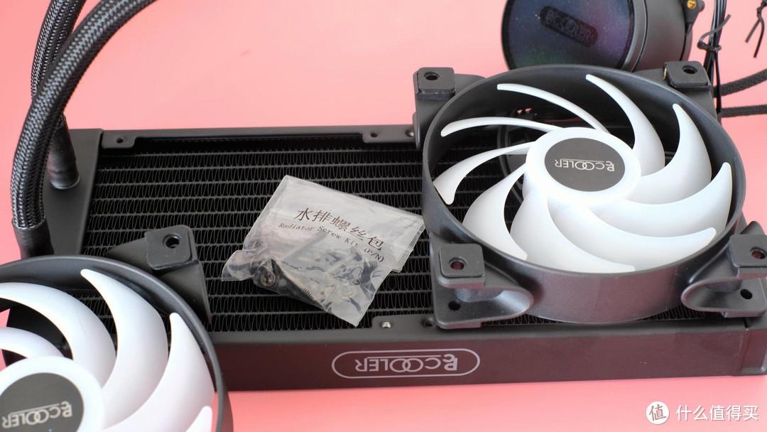 超频三凌镜 GI-CX240水冷散热评测:冷酷到底,绚丽多彩