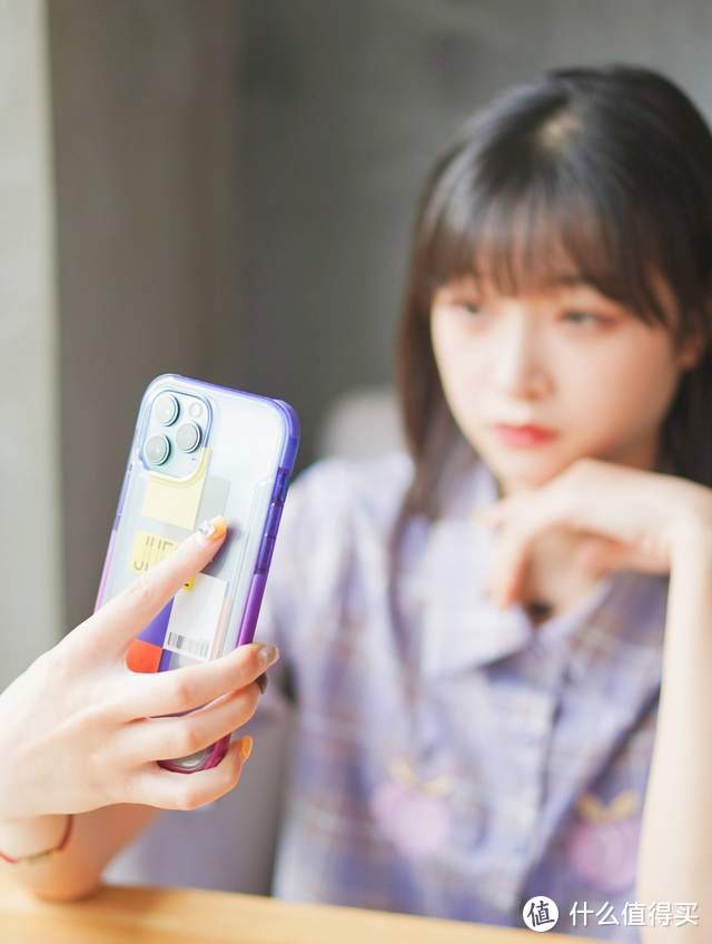 iPhone手机壳这么贵?决色冰砖透明防摔壳帮你打动女人心