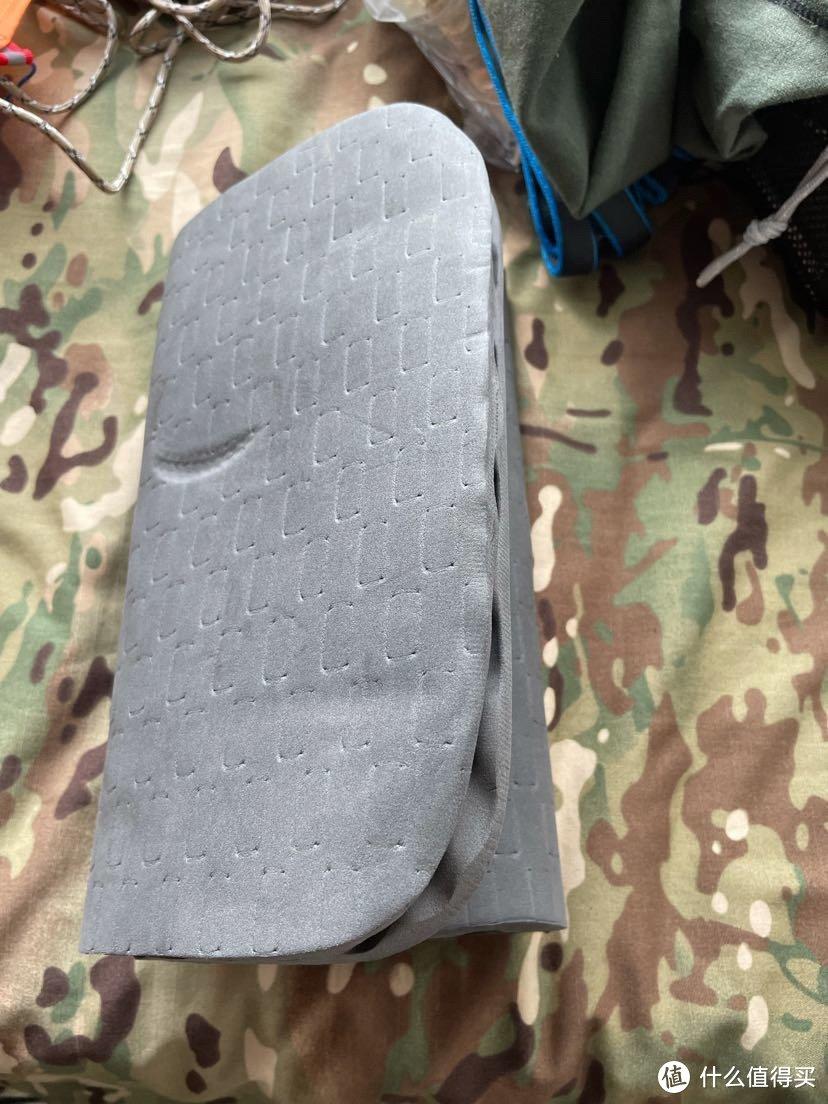 原配的背部泡沫垫,不吸水不透气,拆下来装着当屁股垫