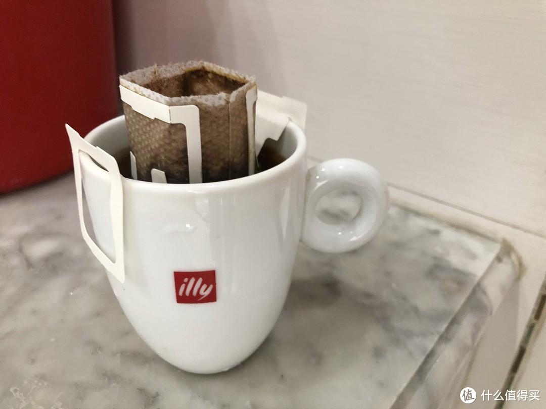 1分钟制作醇香四溢黑咖啡,让职场打工人提振精神——瑞幸咖啡挂耳咖啡原产地B系列组合装10g×8包