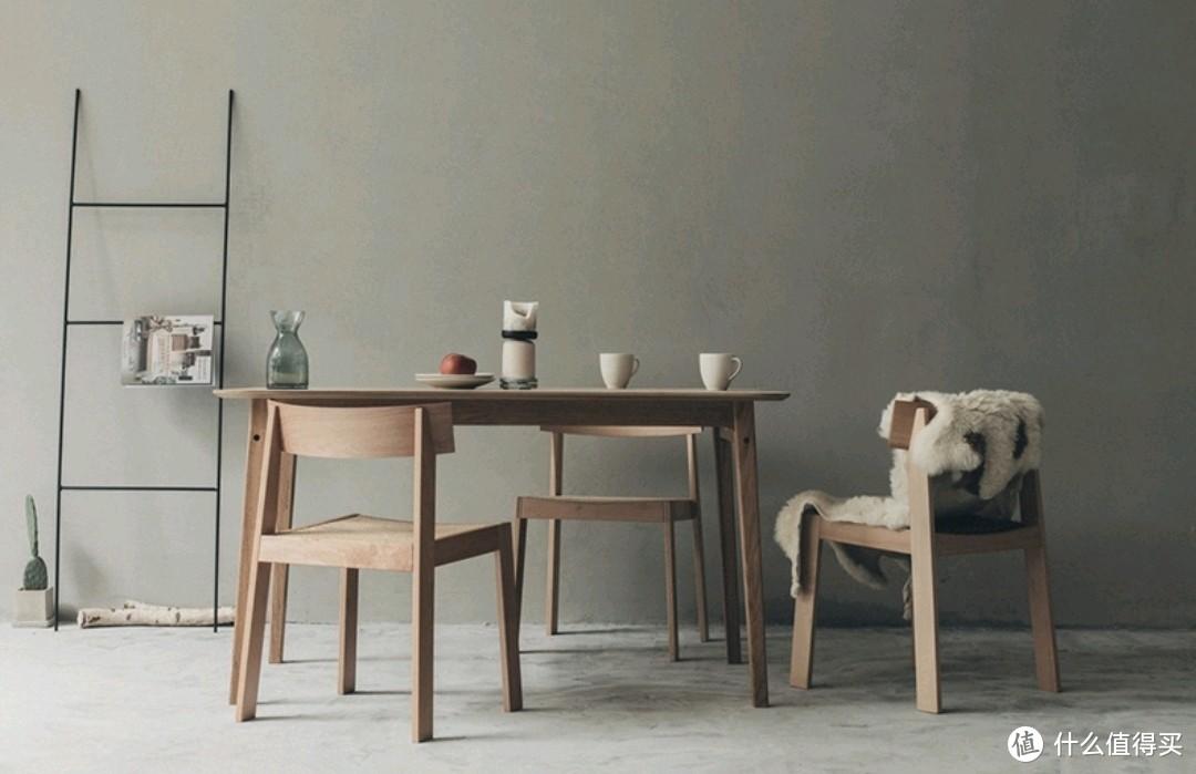 北欧风格原木桌椅组合