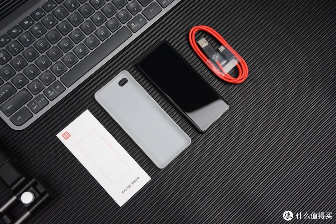 遥控器大小,却功能强大:多亲AI智能手机评测