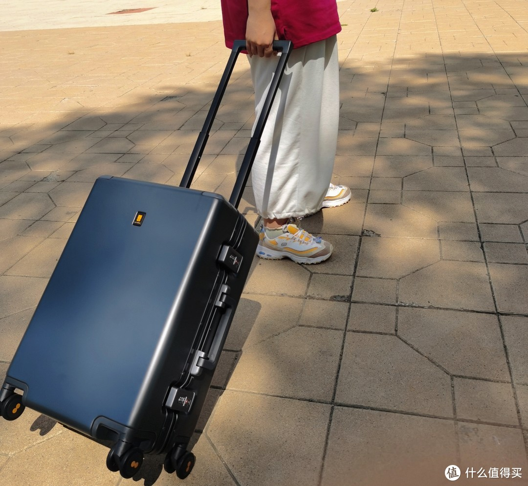 地平线8号(LEVEL8)POWER登机箱,一个超有安全感的旅伴