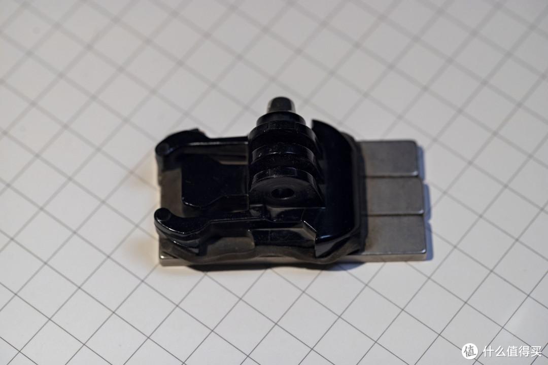 强磁加底座,结构紧凑比吸盘更结实