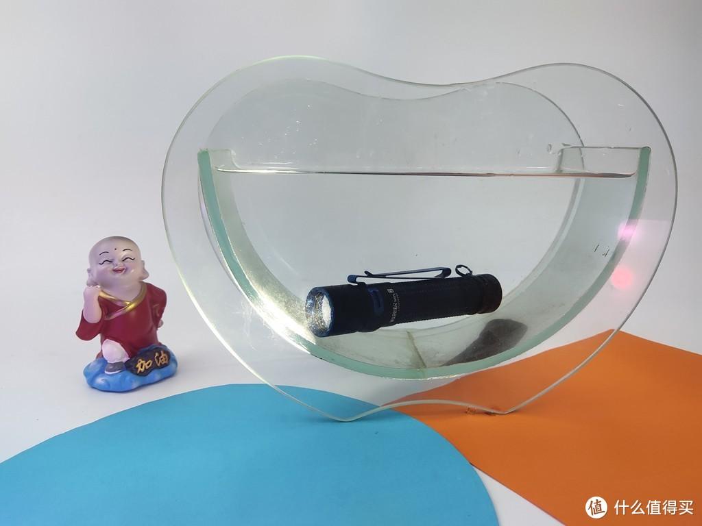 傲雷双按键EDC战术手电 方便快捷为你照亮整个世界