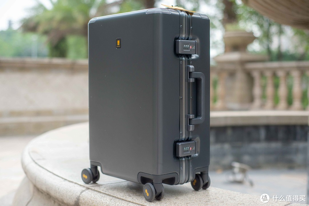 放心出发,快速前进、一手掌控、安全舒适 LEVELS 8 POWER系列行李箱使用体验