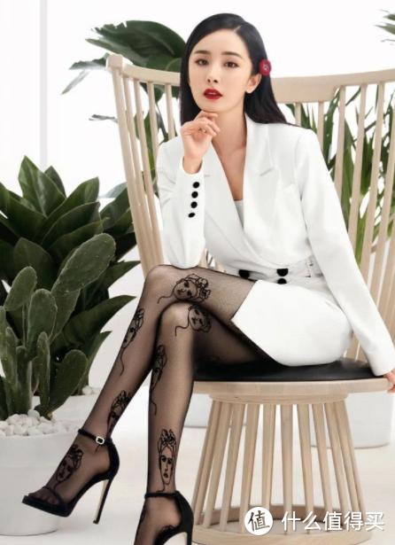 """夏日清凉又""""火辣"""",跟模特学习穿搭,秀出好身材,附网站链接"""