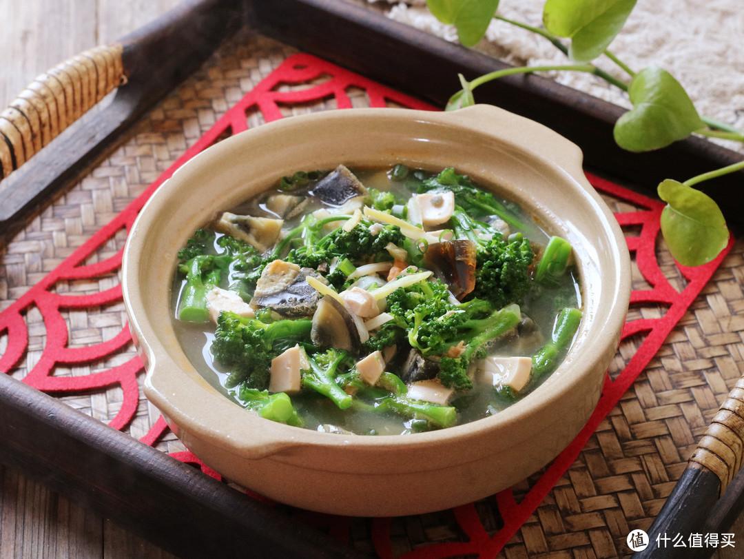 夏天就爱这碗减脂汤,清爽营养又鲜美,5块钱煮一锅,不放肉也香