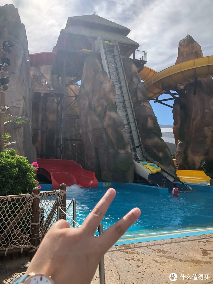 两百块住海南真海景酒店+超大型温泉+水上狂欢乐园还含双早,你没看错哦