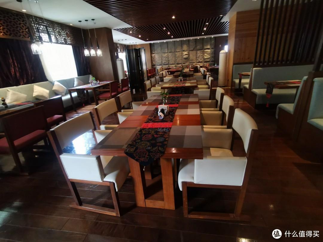 酒店自助餐厅的就餐环境