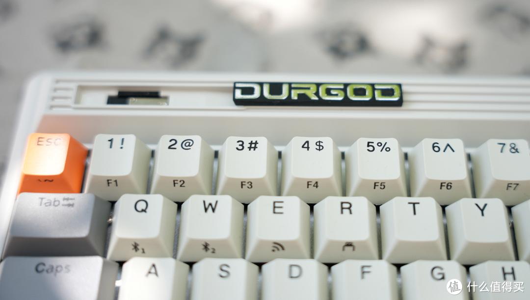 请叫我机械键盘摄影师--杜咖fusion静音红轴键盘体验分享。