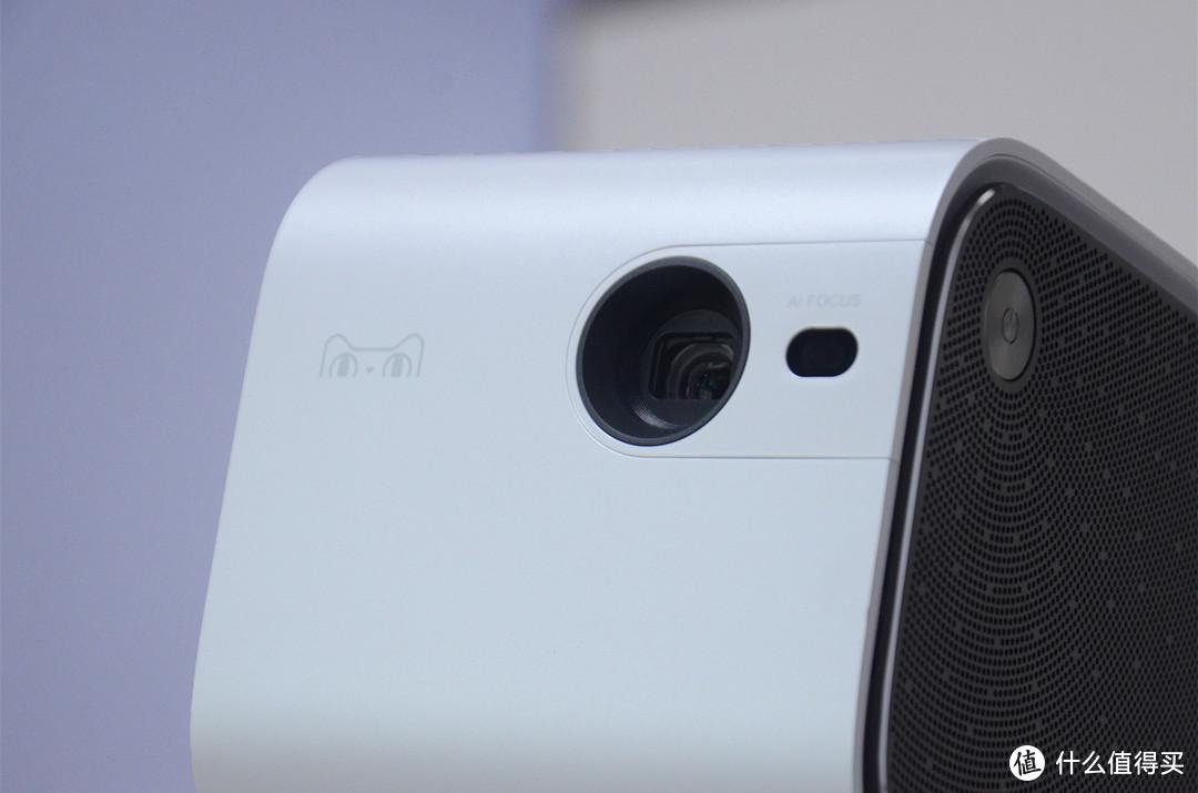 天猫魔屏New M2评测:内置LG电芯,一台无需插电也能用的智能投影仪