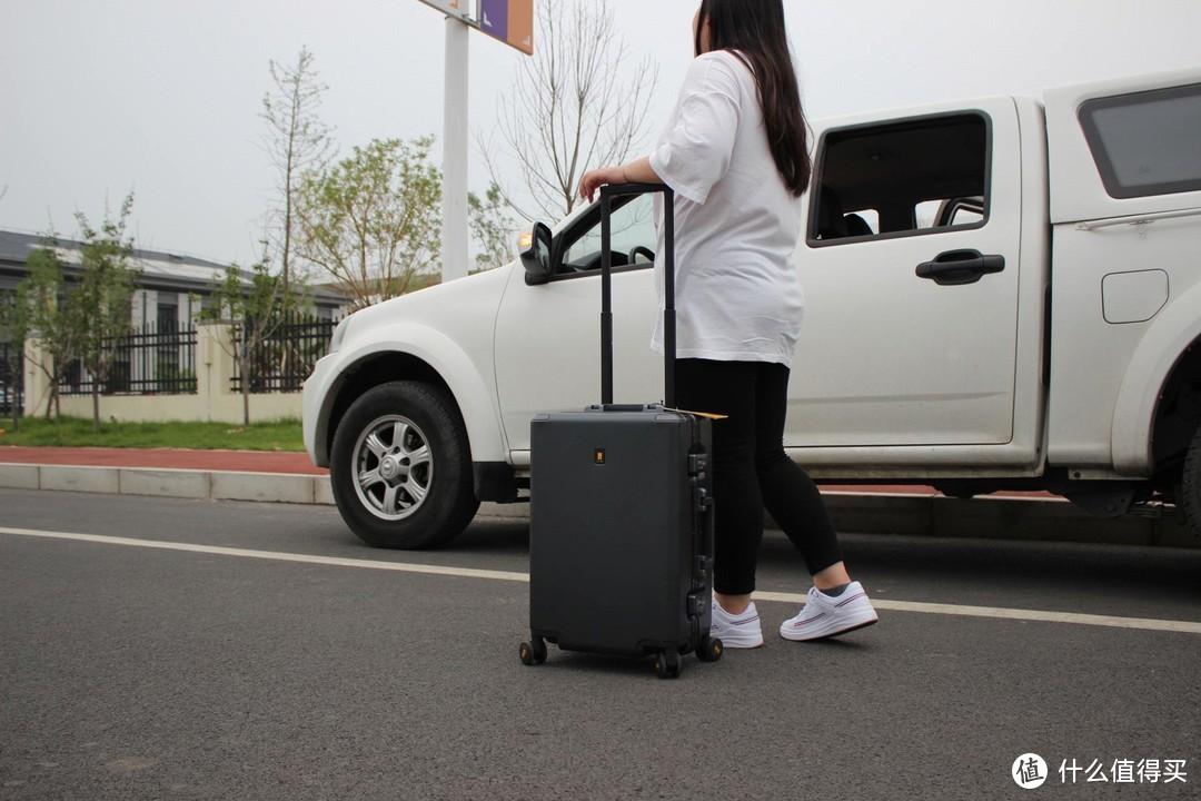 旅行好搭档-地平线8号行李箱测评