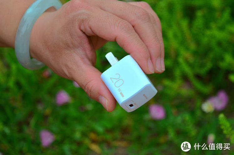iPhone12坑果粉,耳机快充都不送,Sanag MiNi N1来救场