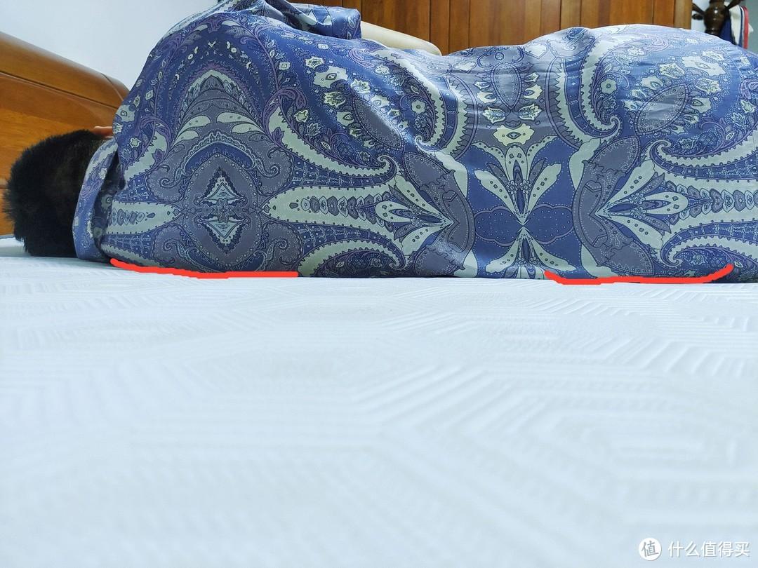 只要2000块的床垫,100天试睡无理由退货,国际大牌源头工厂,床垫行不行还是要靠躺!