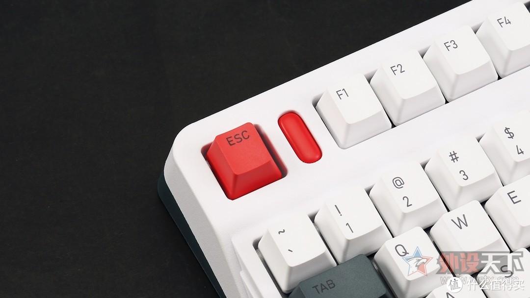 IQUNIX L80动力方程式三模机械键盘评测:始于颜值,陷于手感