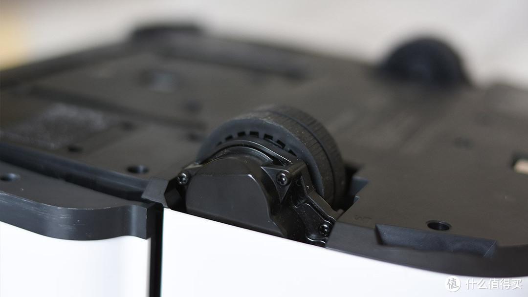 iRobot Braava jet m6 智能拖地机器人:视觉雷达导航 模拟手工清洁