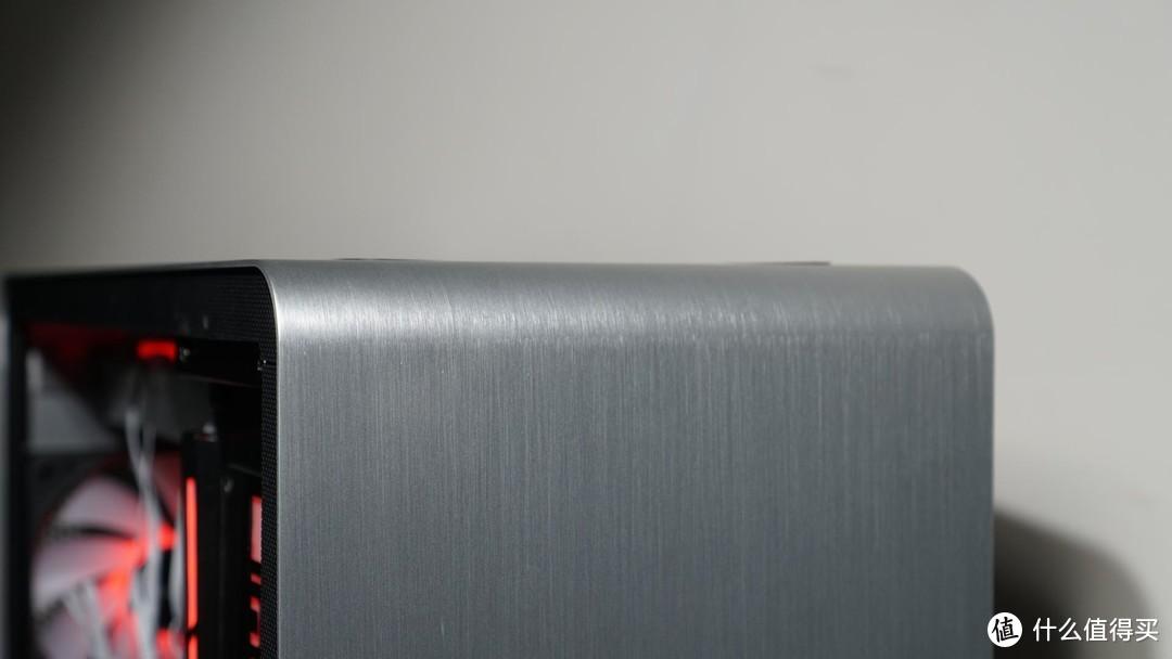 当乔思伯镁铝机箱,遇上艾湃电竞水冷,连鑫谷电源都感动了