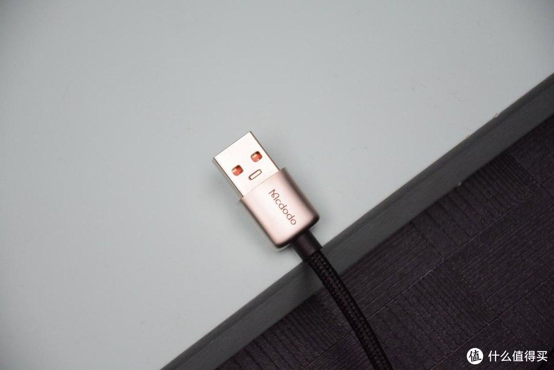 数据线带个显示屏?麦多多数据线评测,实时掌控充电功率