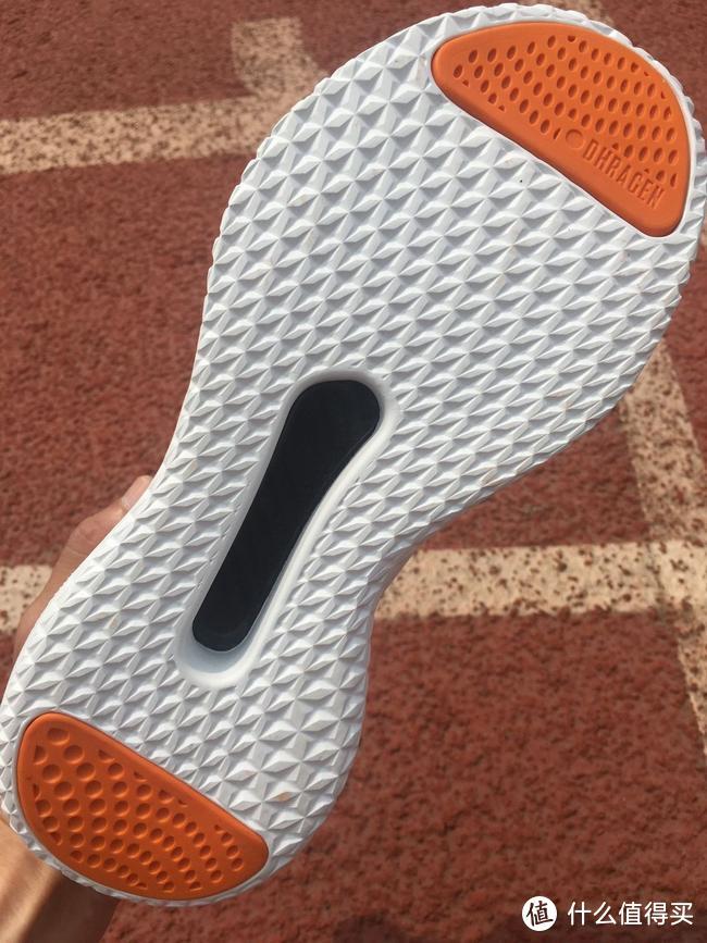 Pensole全掌碳板鞋开启复古运动风