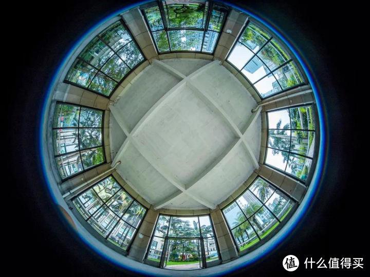 老蛙4mm拍摄圆顶建筑