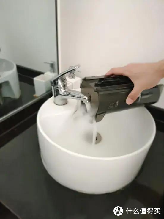 一机解决清洁4大难题,美的智能洗地机X8让家务不再是体力劳动