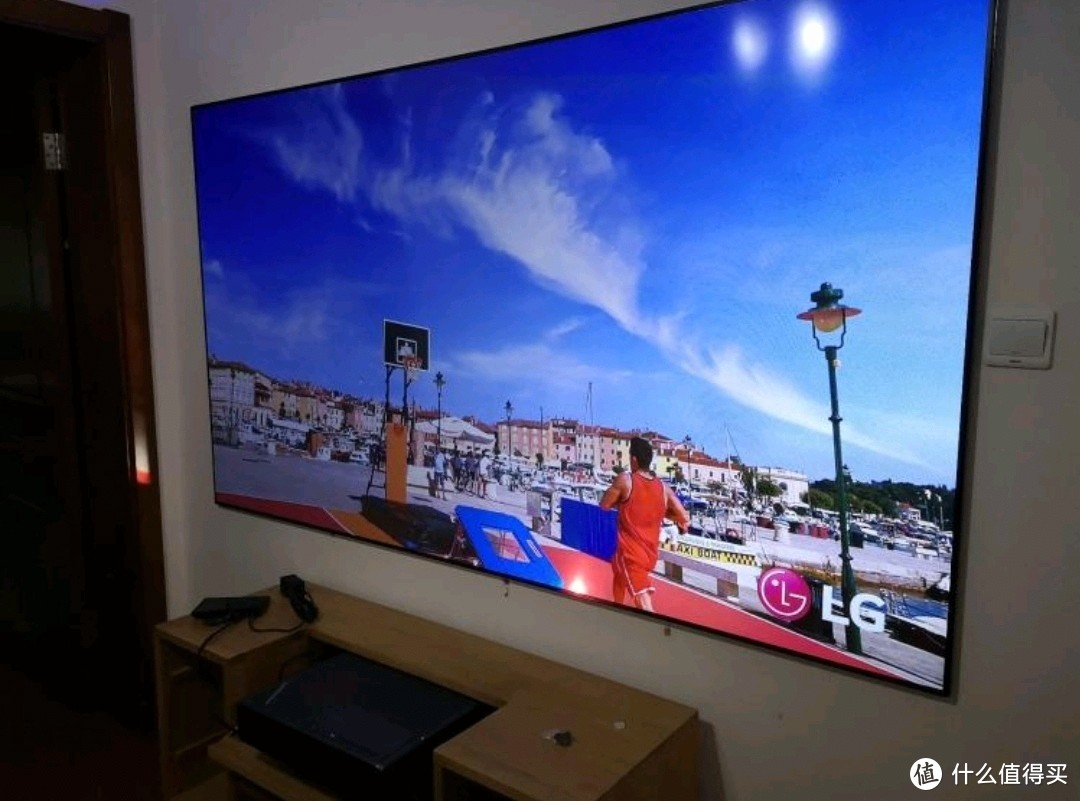 LG77寸OLED电视