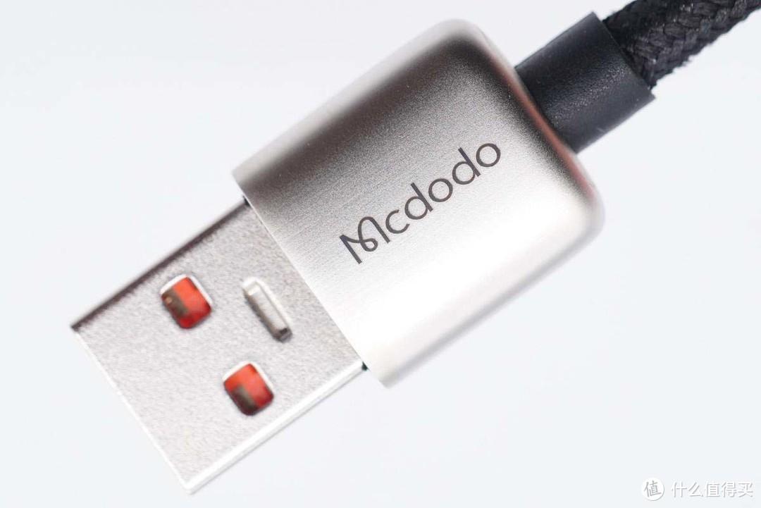 拆解报告:Mcdodo麦多多A to C数显快充线