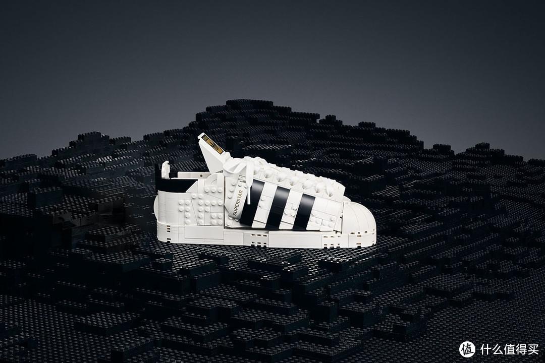 乐高推出阿迪鞋套装,阿迪达斯也要推出包含乐高元素的新鞋啦