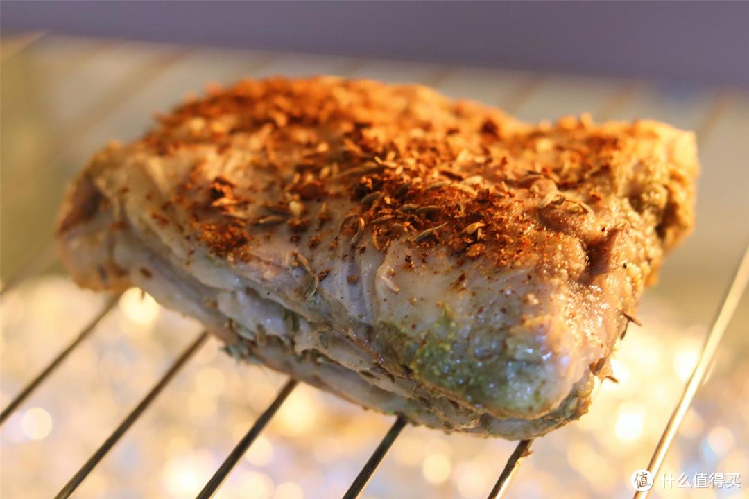 """在家烤羊排、羊肉串,记住""""1焖2烤3撒料"""",汁水饱满,外焦里嫩"""