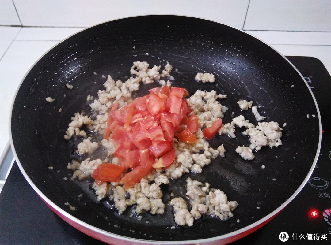 教你桂林米粉的家常做法,食材简单配菜多,不放卤水也好吃