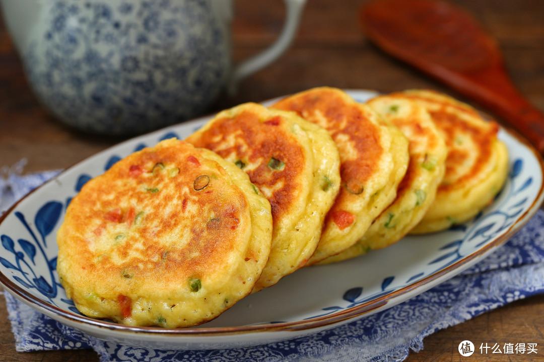 双手无需粘面,搅一搅就能做的粗粮早餐饼,暄软美味营养百分百!