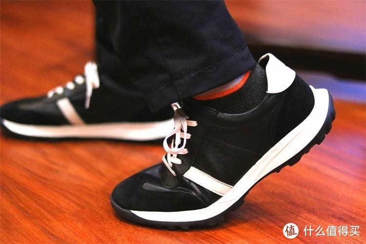 更舒适的潮流穿搭,七面运动休闲鞋祝你一臂
