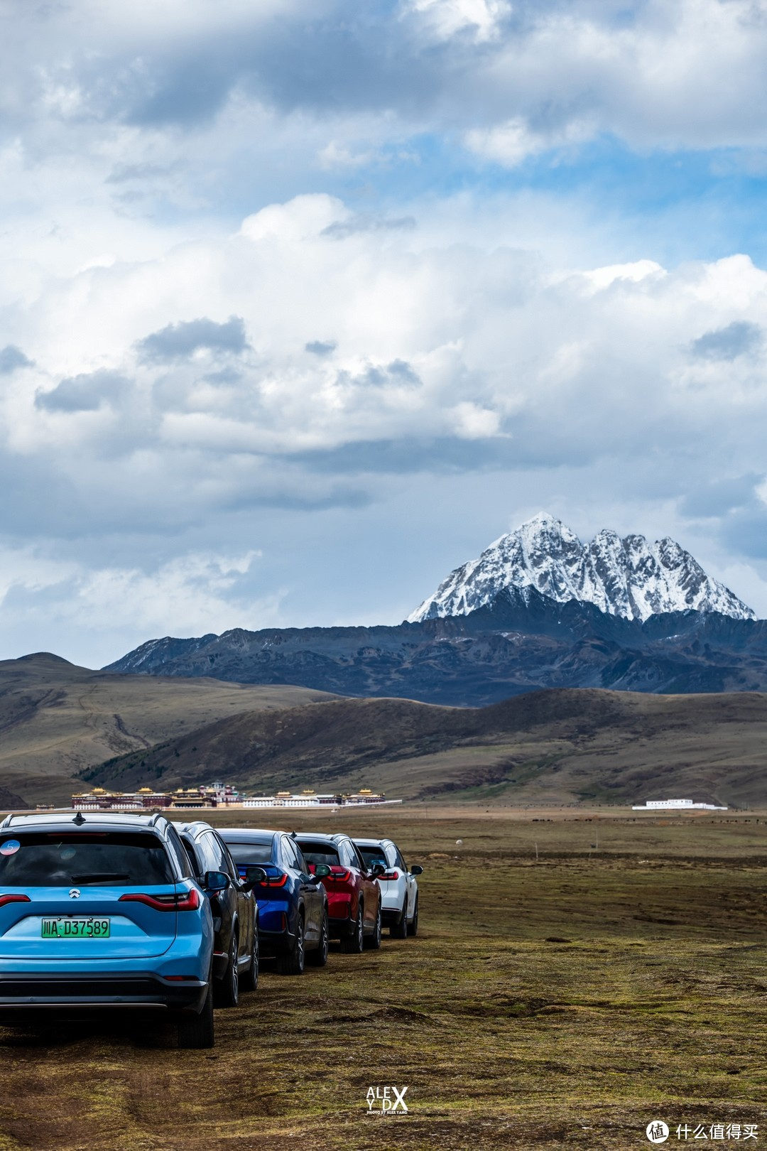 下午到了塔公草原,雅拉雪山。这是此次旅程的最后一站,天公不作美,没有等到想要天气,但也足够美,有遗憾才能为下次旅程找一个借口。