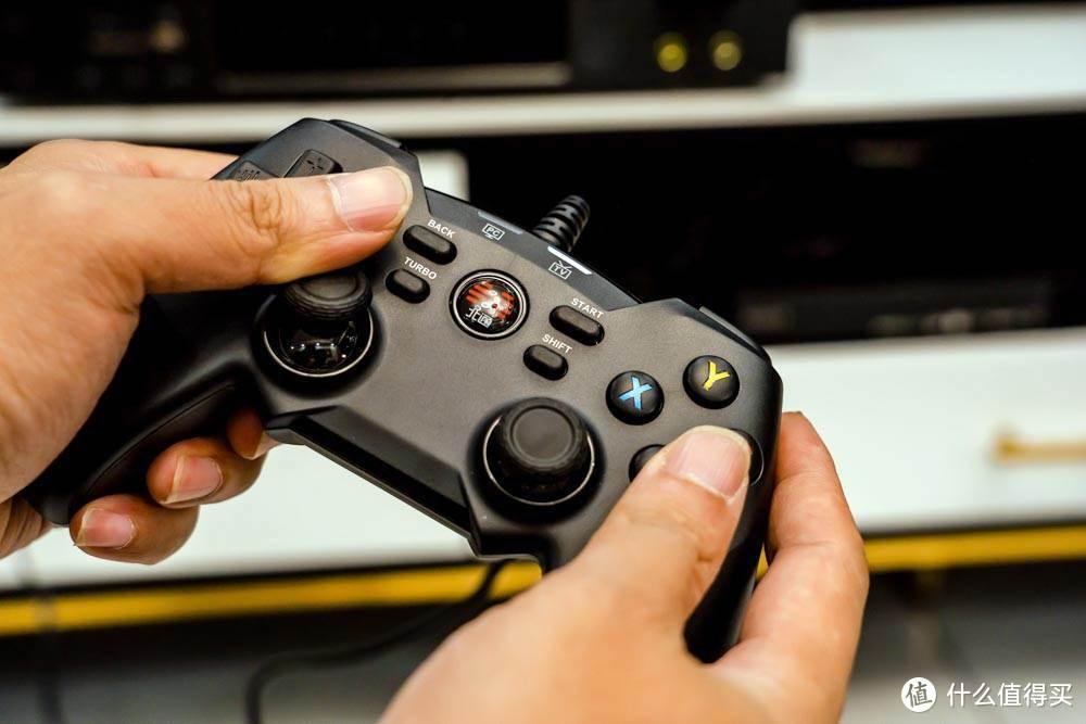 没有手柄的游戏是不完美的——北通蝙蝠4游戏手柄评测