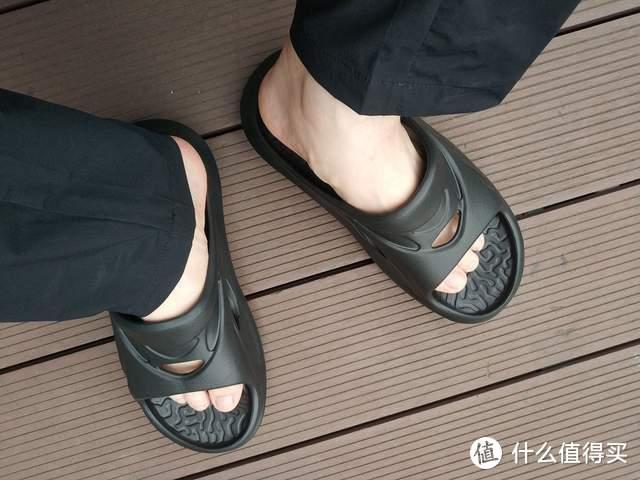 咕咚这双踩屎感满满的运动拖鞋你穿了吗,我是不想脱下它了