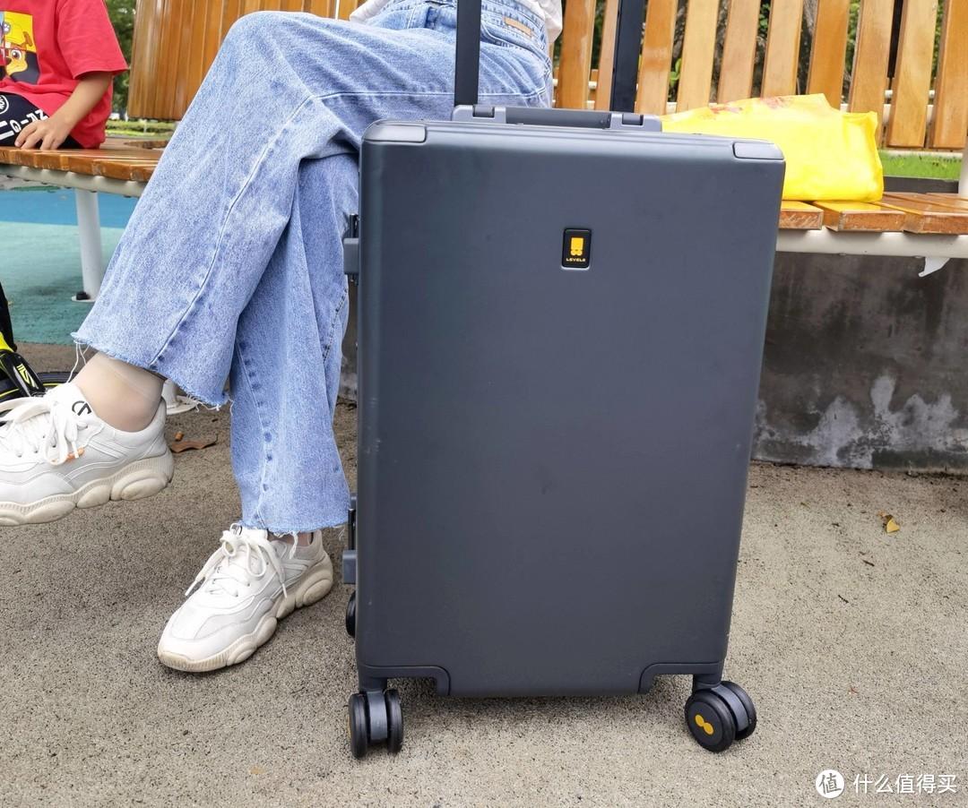 出差旅行必备好物,地平线8号Power 系列登机箱简评