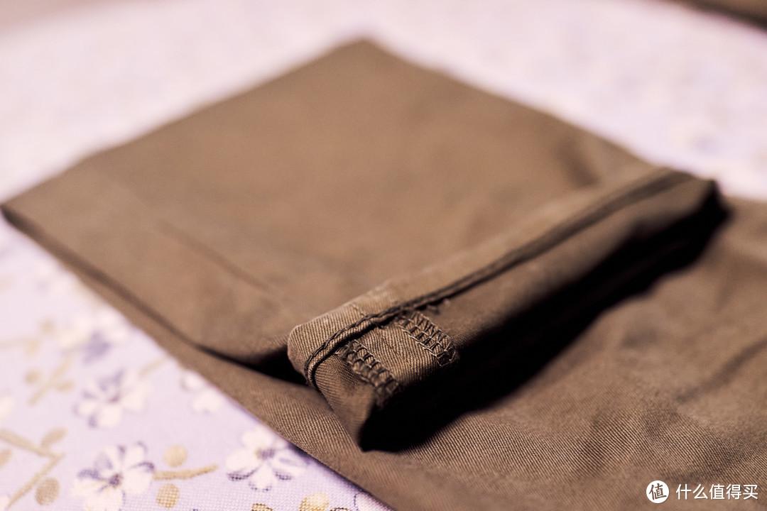 裤脚部分的走线还算工整吧,反正裤型本来就是上面宽,下面收窄的样子。