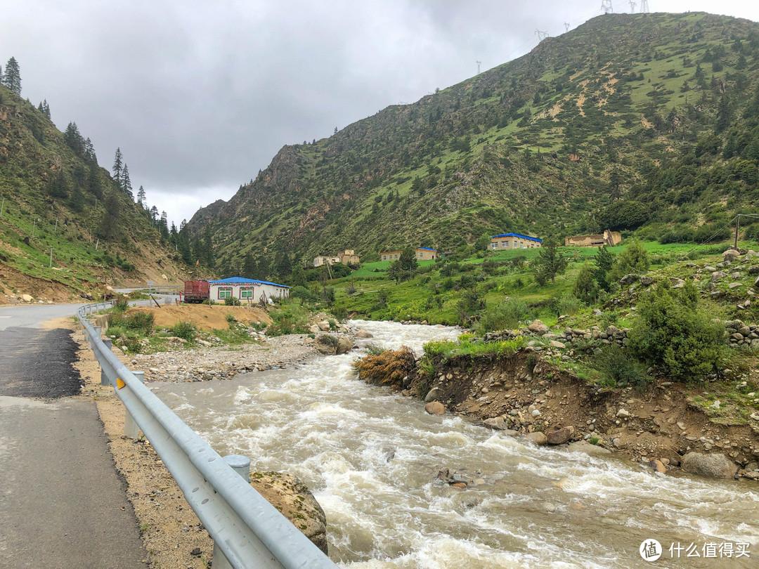 雨季川藏线骑行之游记篇(三)西藏自治区如美镇-波密