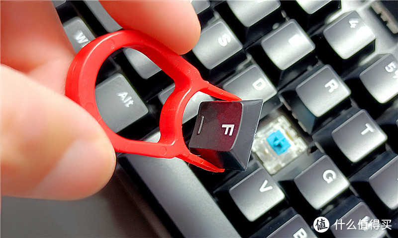 国产青轴、无线连接、104键——雷柏V500PRO无线版机械键盘测评