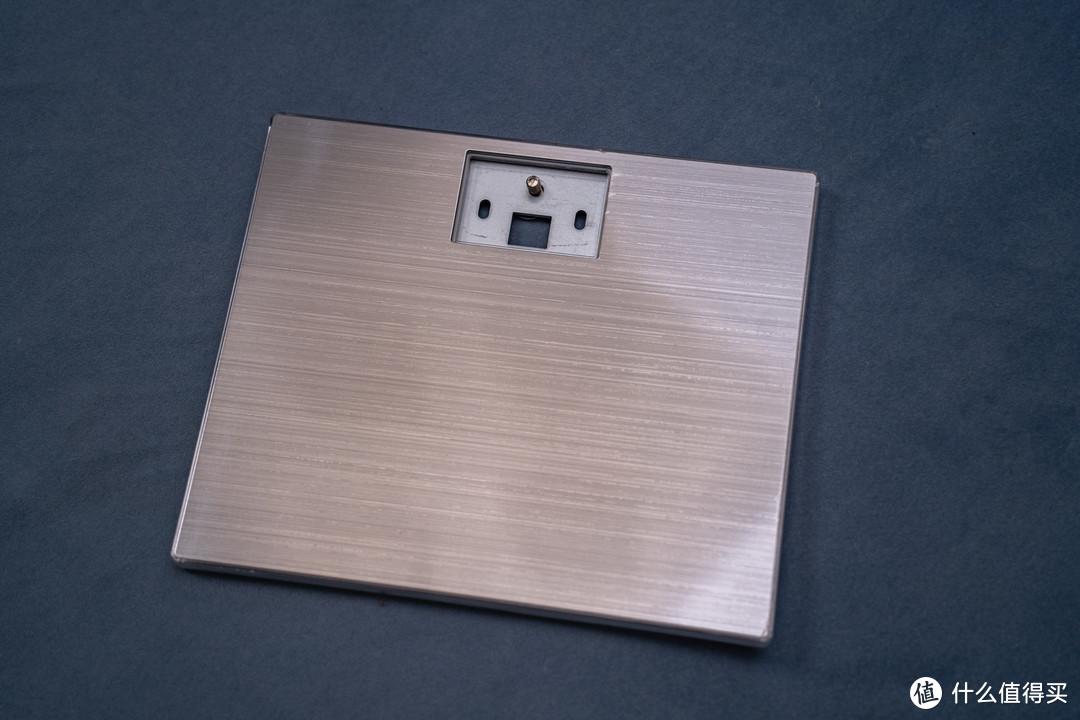 1779 元的 4K 显示器 AOC 卢瓦尔 LV273HUPR 值不值得买