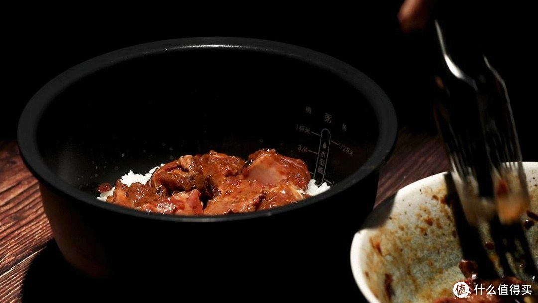 电饭煲豉汁排骨饭,肉滑饭香,酱香浓郁