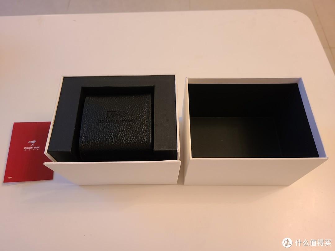 打开包装后,就看到京东手表的卡片