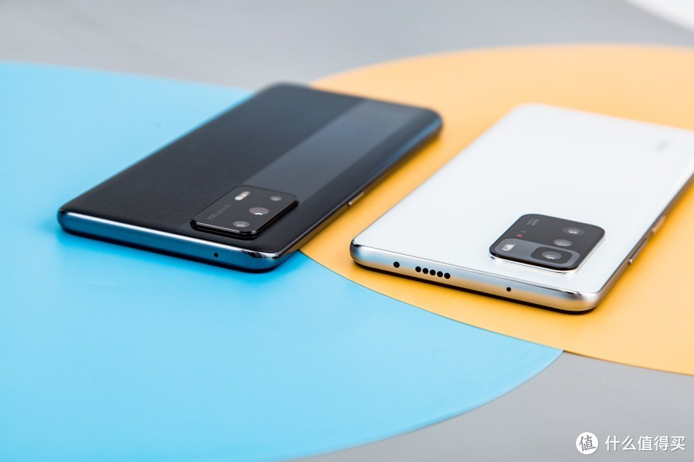 (▲左为realme GT Neo,右为Redmi Note 10 Pro)
