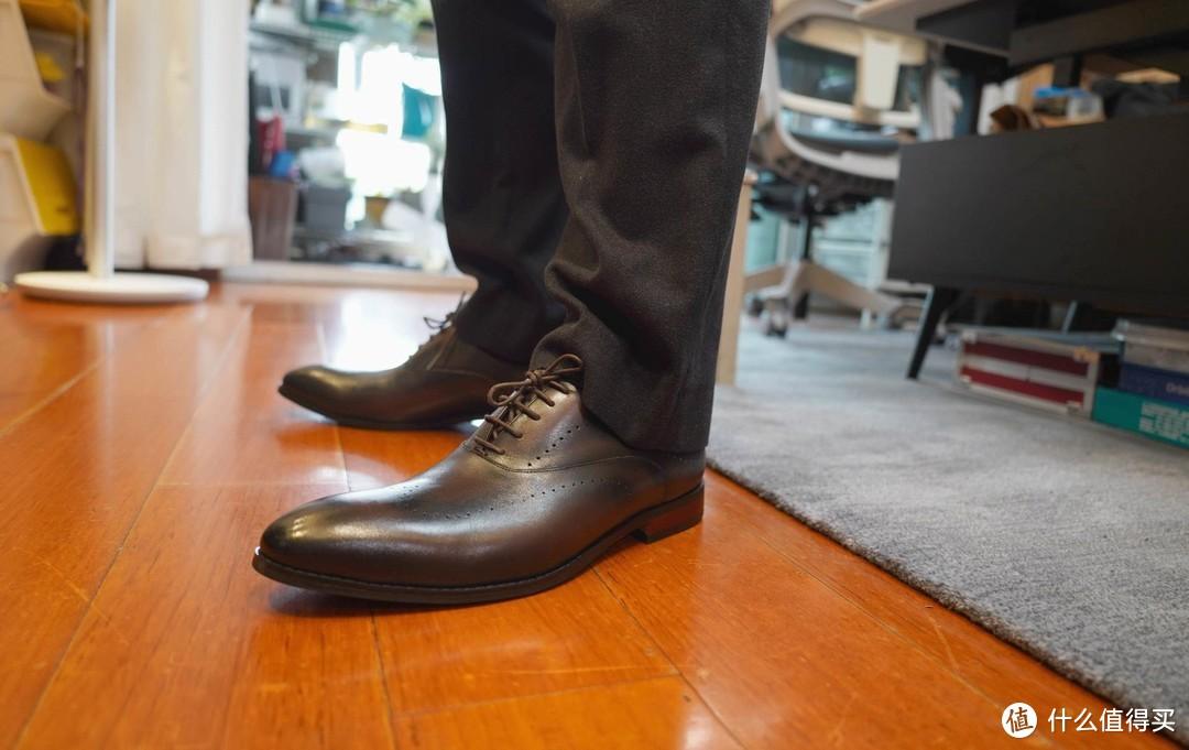 日常宠先生系列,给林先生添置的新鞋,嘉作良品雕花手工皮鞋入手。